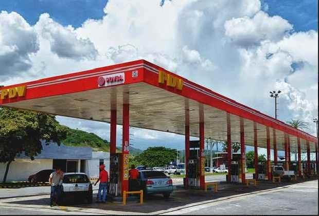 CAE OTRO DE LOS ¿Aumento de facto de la gasolina en 833 mil por ciento?