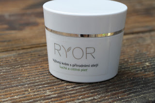 ryor, cream, face