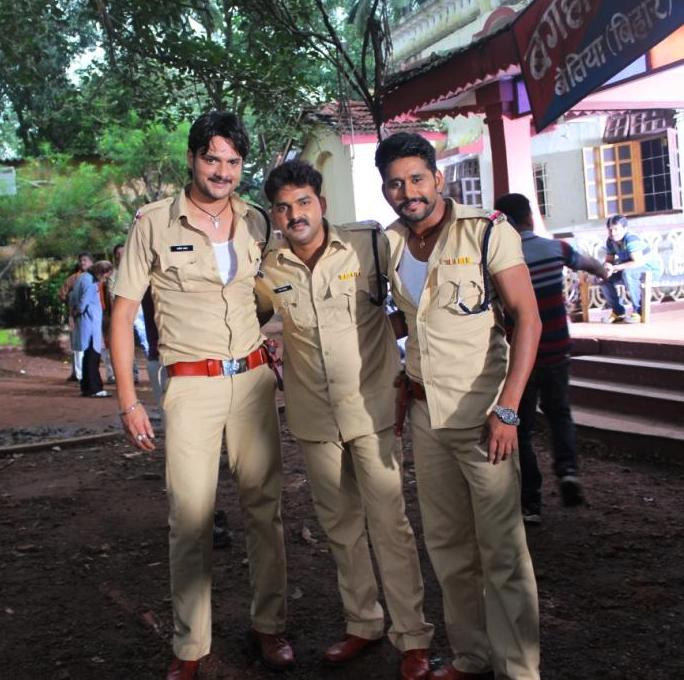 Pawan Singh and Yash Kumar ON Set of Lootere Bhojpuri Film Shooting photo