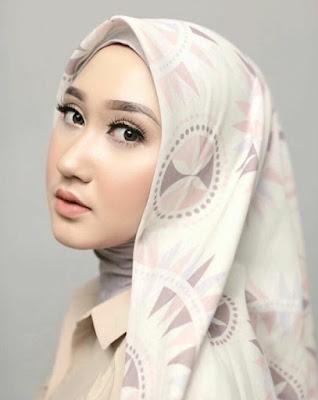 model jilbab dian pelangi modern terbaru