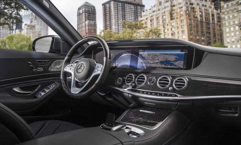 سيارة مرسيدس AMG S63 من الداخل