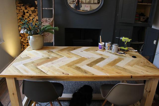 Rustic Herringbone Pallet Wood