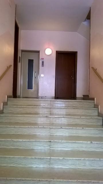 azzano san paolo piazza IV novembre 16 atrio condominiale