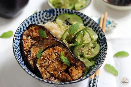 Aubergines grillées à la sauce teriyaki, salade de concombre