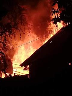 <b>Empat Rumah Warga Ngali Hangus Dilalap Api</b>