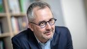 Egy világhírű magyar tudós is beszállt a koronavírus elleni gyógyszer kutatásába