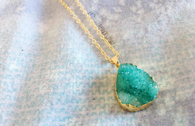 Details of the the turquoise blue druzy necklace from ShopWithElla.