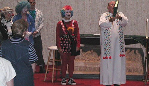 [Image: clown_mass_large+%25281%2529.jpg]