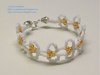 Beaded openwork bracelet in white