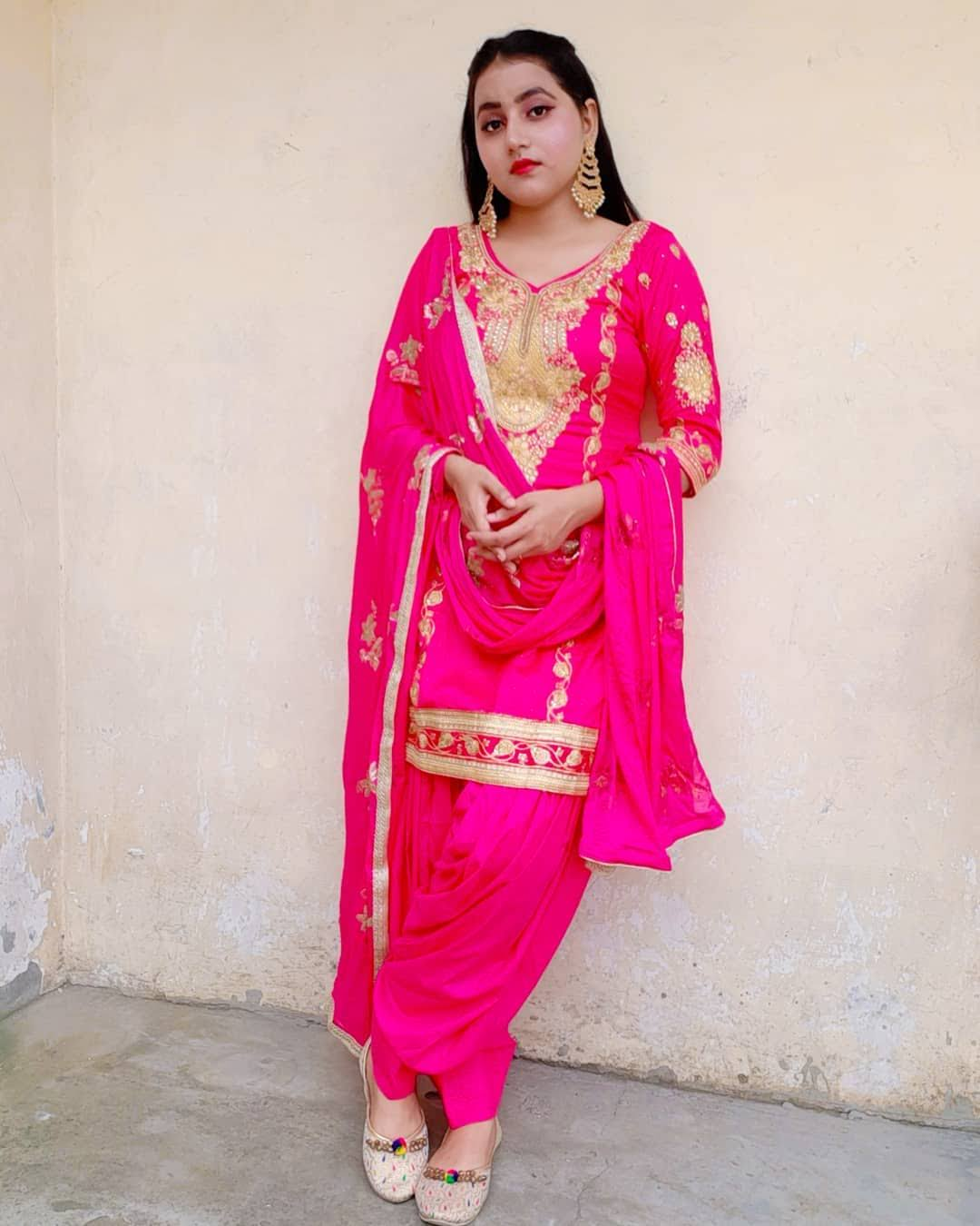 Sapna Yadav 4