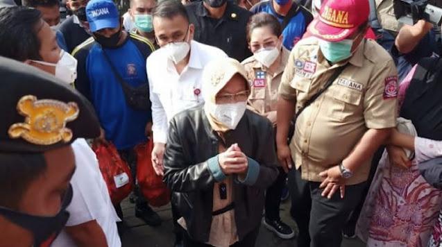 Lagi, Roy Suryo Sindir Pedas Mensos Risma Saat Masak di Pengungsian