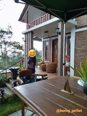 Depan rumah owner cafe