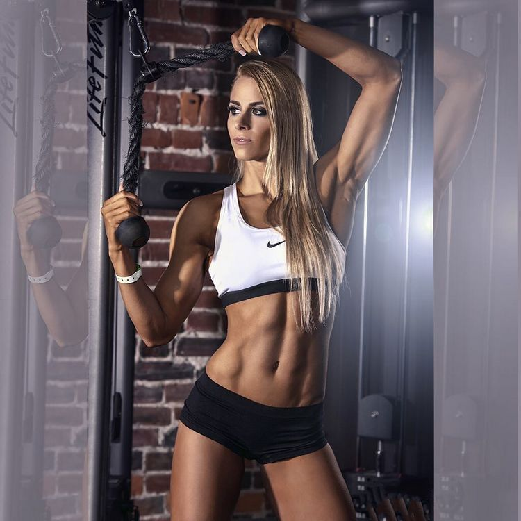 Helga Stibi Ifbb fitness model