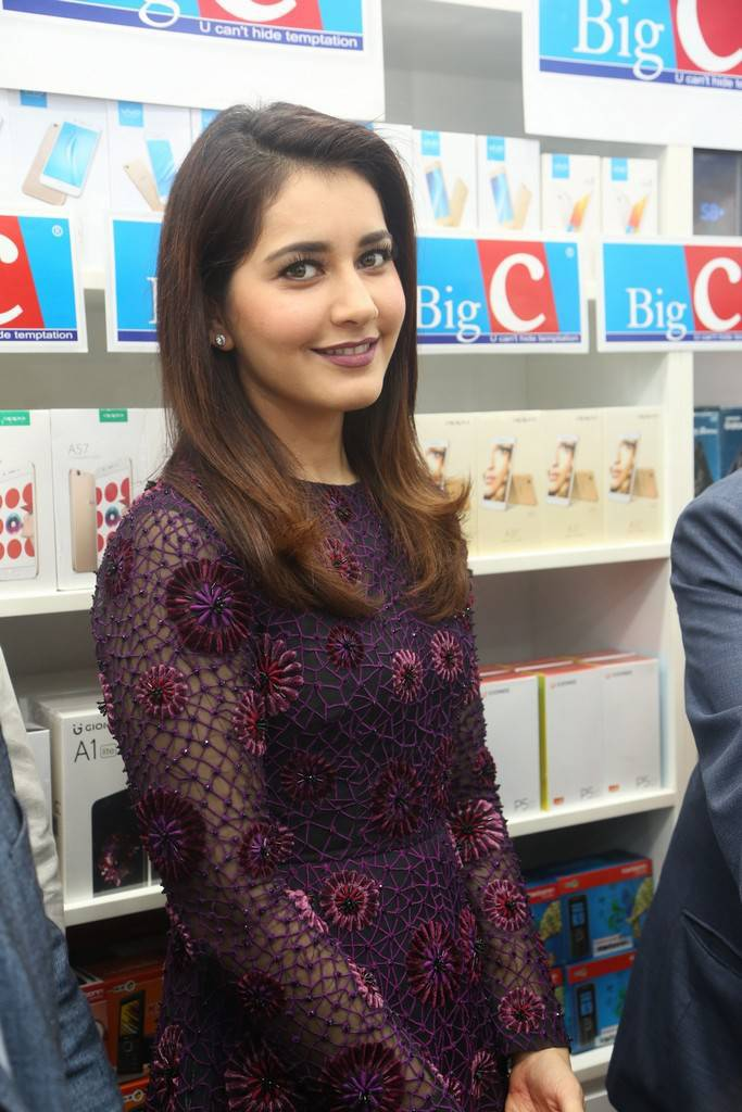 Raashi Khanna At Big C Mobile Store Launch In Kukatpally Stills