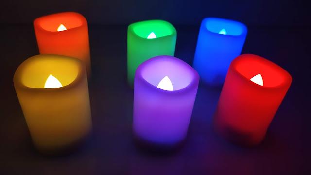 مصابيح على شكل شموع بألوان مختلفة للديكور -  6PC LED Candles light + Battery & Remote Control