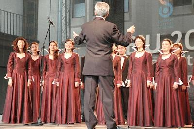 Vokal Grup Lagu Tradisional   Teknik Bernyanyi, Identifikasi Ciri-Ciri, Fungsi Sosial