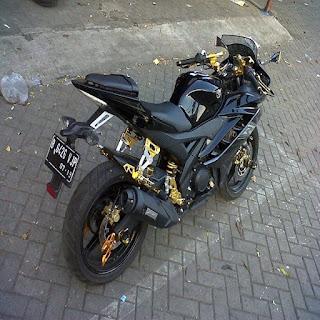 modifikasi r15 hitam kuning modifikasi yamaha r15 hitam