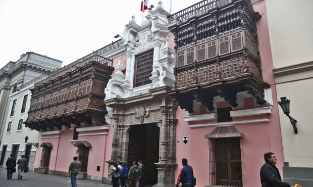 Designan a cónsul general del Perú en Vancouver, Iquique y Cochabamba