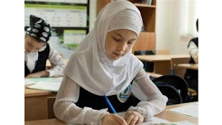 الزي المدرسي في النمسا بعد السماح بالحجاب الإسلامي