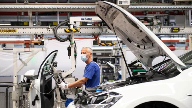 أوروبا-كورونا-تسبب-بهبوط-الإنتاج-الصناعي-بـ113-في-مارس