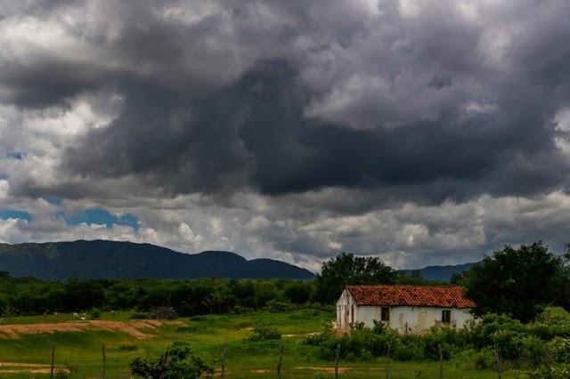 Chuvas de pré-estação no Ceará não devem superar média histórica, preveem institutos