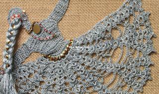 free crochet dancing doll motif pattern, free crochet Indian dancing doll pattern, free crochet motif pattern, free crochet pattern, free crochet bag pattern, kamal kadai thread, kankri thread,