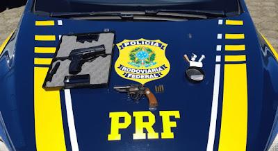 PRF prende homem com duas armas em Barra do Turvo