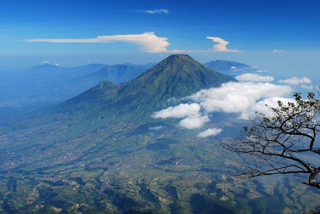Gunung Selamet (3.428 MASL)