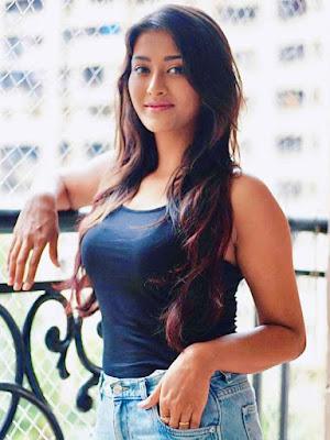 Pooja Jhaveri Wiki, Biography