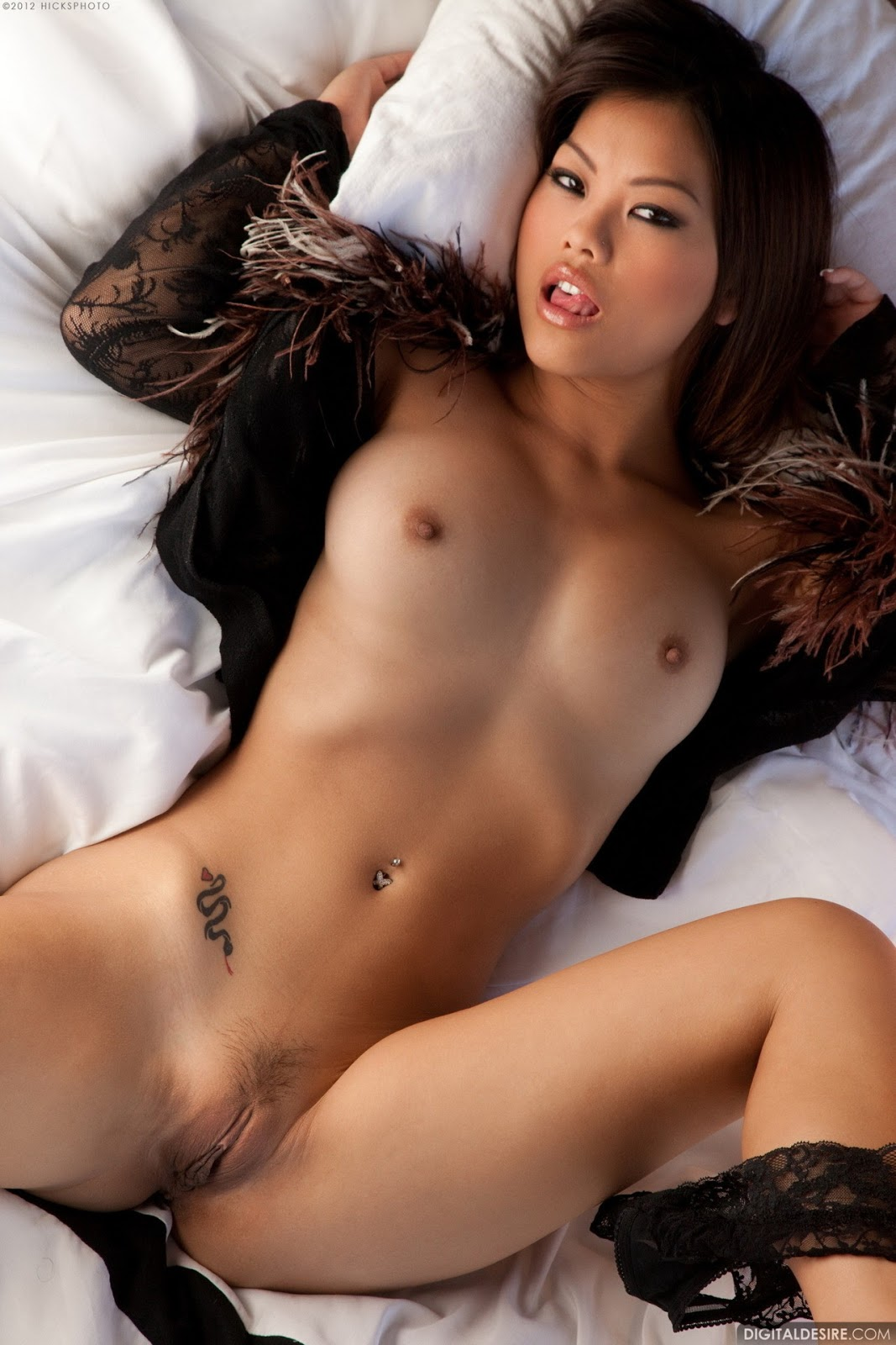 Asian hot nude women