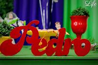 festa de aniversário infantil com decoração no tema buzz lightyear do toy story por life eventos especiaisfesta de aniversário infantil com decoração no tema buzz lightyear do toy story por life eventos especiais