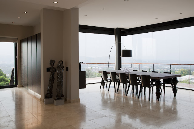 Picture of large open dining room with the view