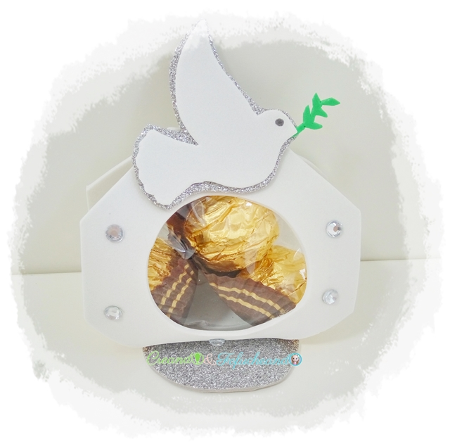 Bombonera-o-Porta-bombones-4-ideas-de-manualidades-para-comuniones-en-goma-eva-creandoyfofucheando