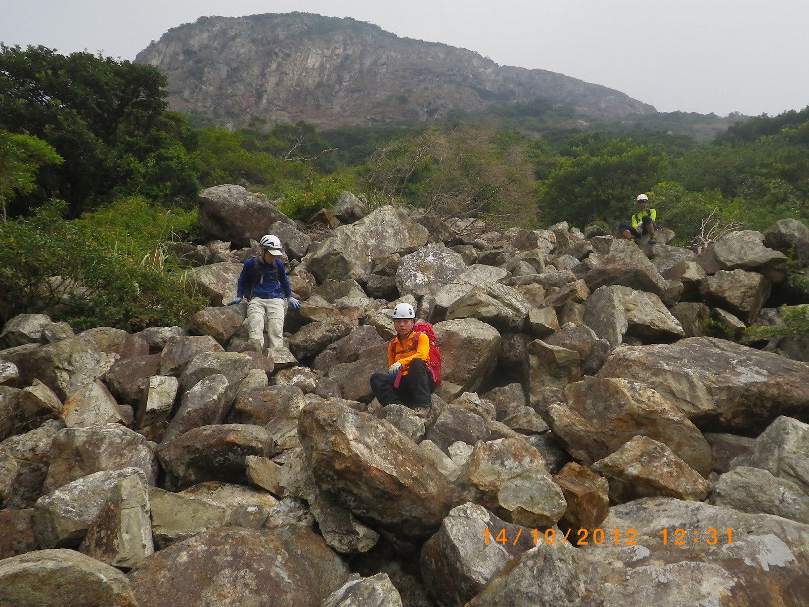 Danny: 2012-10-14 : 倒腕崖。倒腕石河