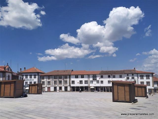 visitar la Plaza Mayor de Guarda en Portugal