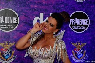http://www.foliadosamba.com/2017/01/prosa-do-folia-tania-oliveira-rainha-de.html