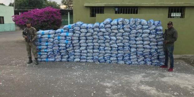 ERD ocupa 109 sacos de ajo en comunidad de Montecristi
