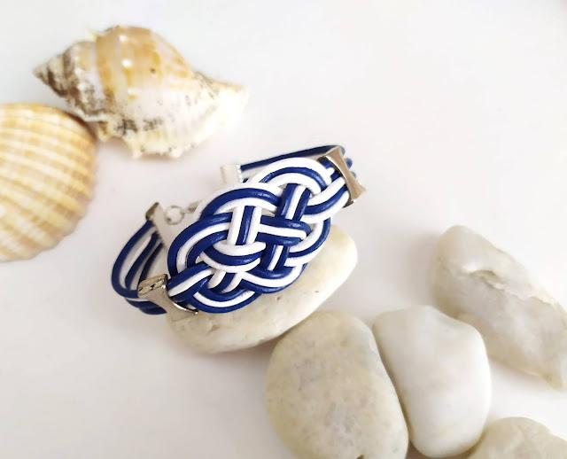 pulsera cuero azul y blanco