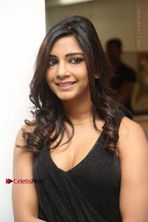 Telugu Actress Kamna Singh Stills in Black Dress at Bharat Thakur Art Exhibition Launch  0020.jpg