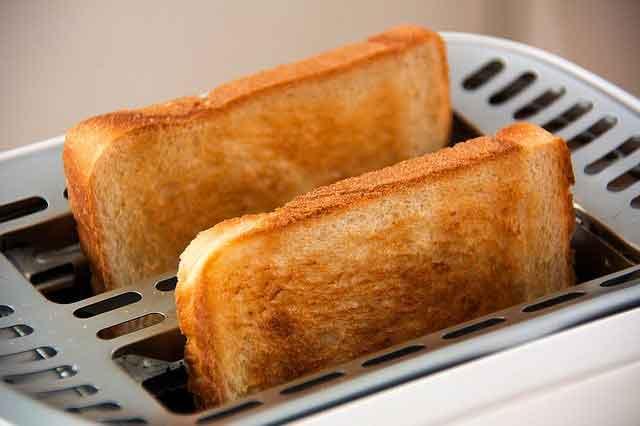 هل الخبز يزيد في الوزن؟