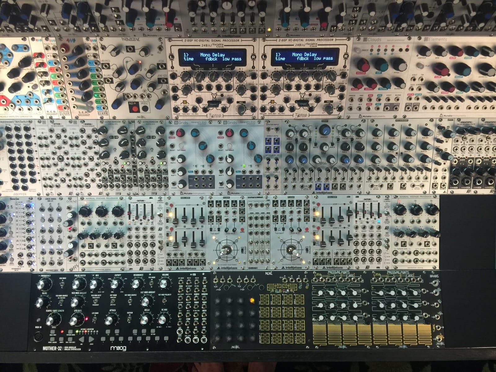MATRIXSYNTH: $17,500 Analog Modular System - Symphonic