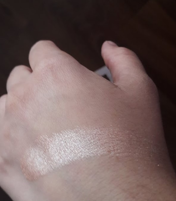 Mega destiny highlighter swatch notino.hr