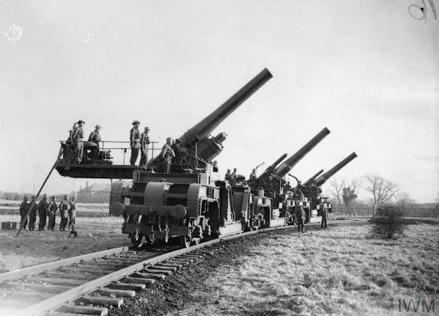 12 December 1940 worldwartwo.filminspector.com Catterick railway guns