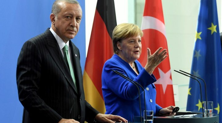 "Die Welt: ""Το προστατευτικό χέρι της Γερμανίας πάνω από τον Ερντογάν"""
