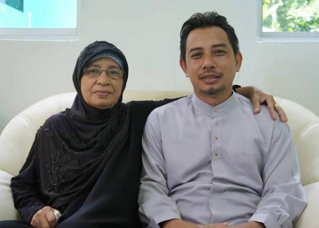 Cara Lelaki Ini Menjaga Ibunya Yang Tua Di Hospital Buat Ramai Sebak