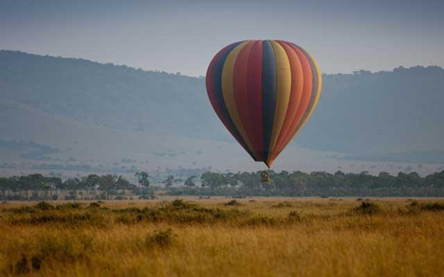 Hot balloon at Masai Mara