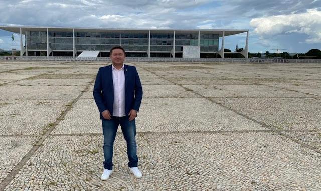 Prefeito de Senador Sá, Bel Júnior, vai a Brasília em busca de recursos. Gestor teve reuniões com alguns congressistas, confira!