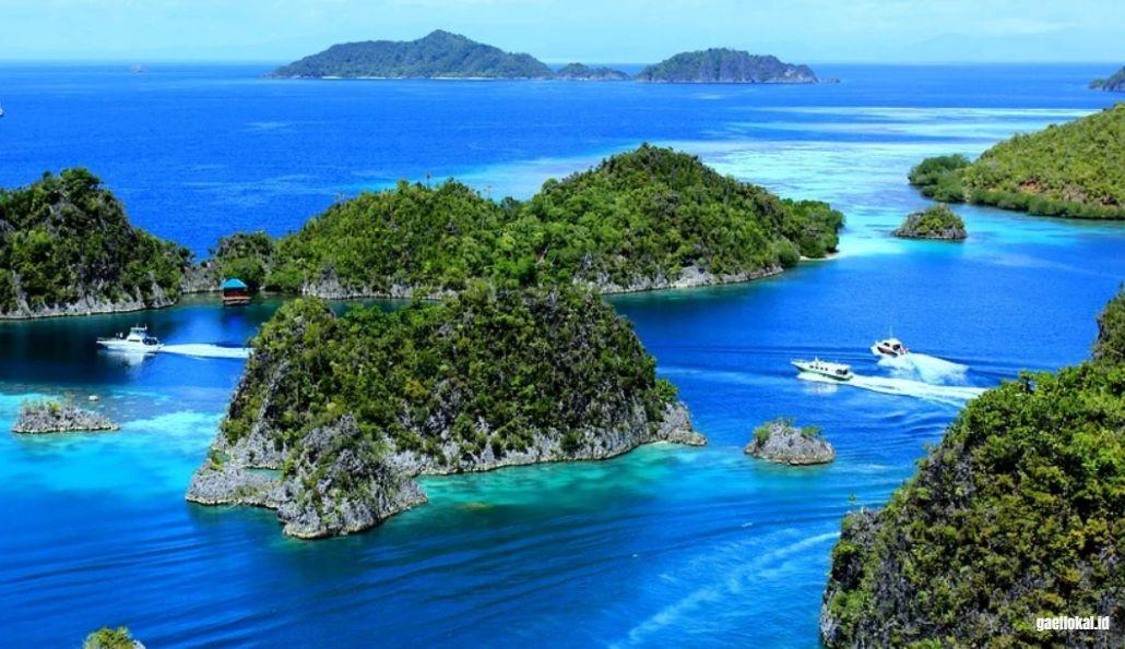Dari Bolivia Hingga Indonesia, Ini Dia 4 Destinasi Wisata Alam di Dunia yang Harus Anda Kunjungi!