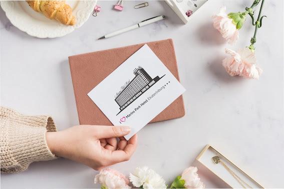 Отправляйте открытки в любую часть света вместе с Marins Park Hotel Yekaterinburg