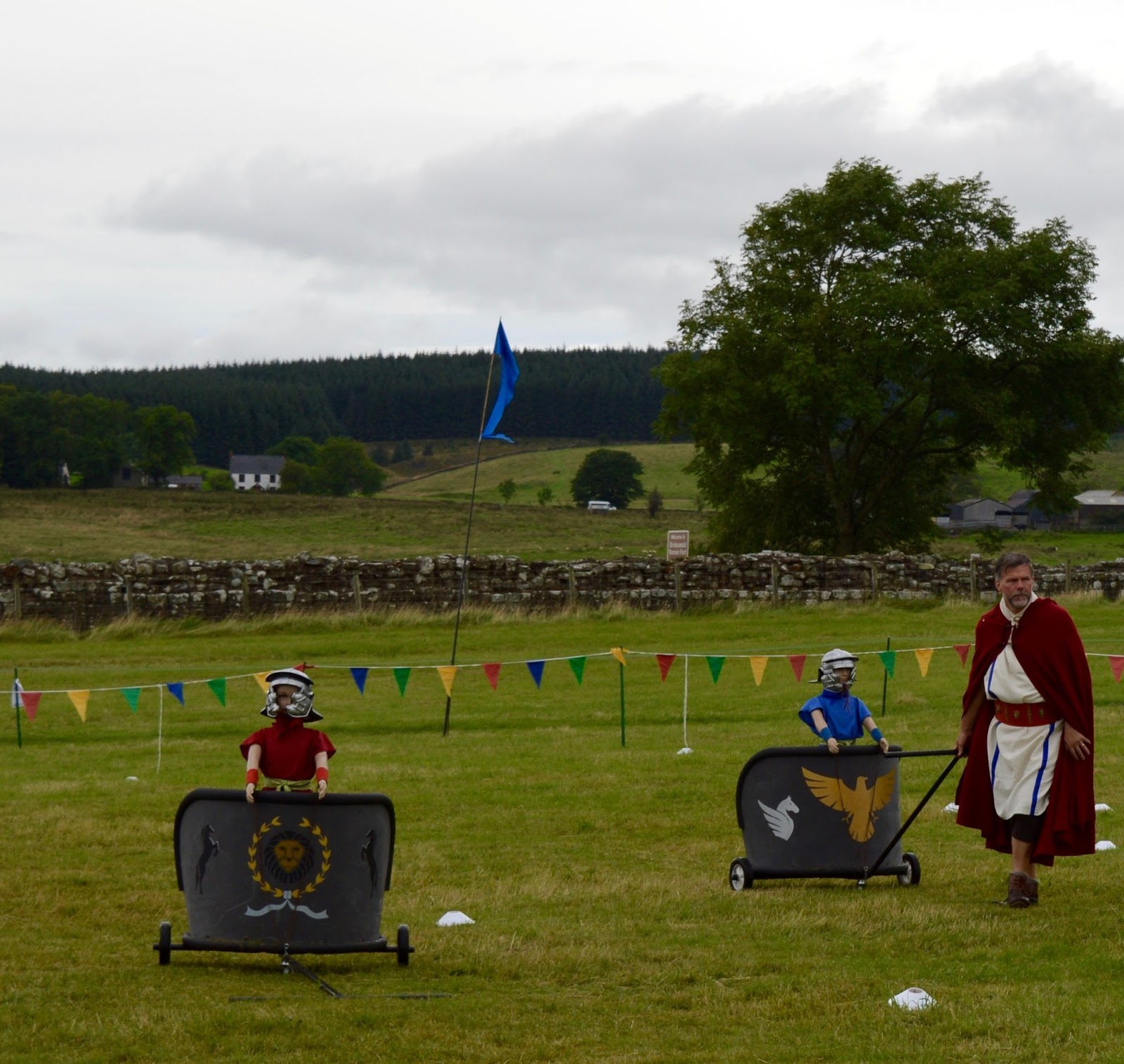 Hadrian's Wall Live 2016 | Birdoswald Roman Fort & Housesteads - A Review - chariot racing